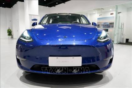 Mỹ điều tra chính thức đối với hàng trăm nghìn xe Tesla