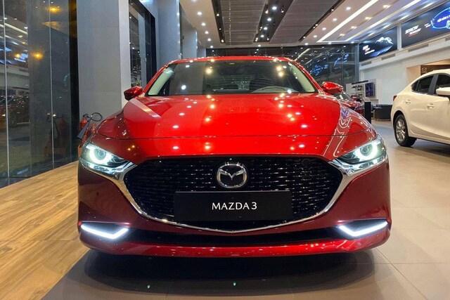 Giá Mazda CX 8 và Kia Sorento tiếp tục giảm