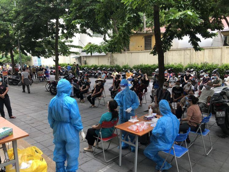 Quận Hai Bà Trưng: Chợ Nguyễn Công Trứ hoạt động trở lại sau thời gian phong tỏa tạm thời vì dịch Covid-19