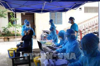 Từ 18/8, Hà Nội xét nghiệm SARS-CoV-2 bằng RT-PCR cho 13 nhóm người nguy cơ cao