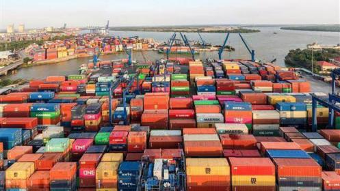 Hàng container qua cảng biển ước đạt gần 16,8 triệu TEUs, giữ vững đà tăng hai con số