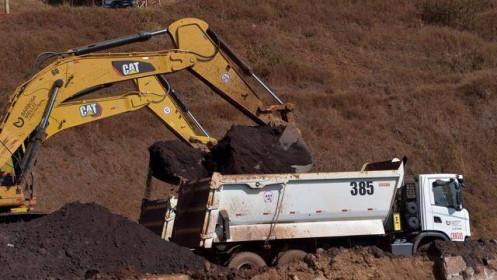 """Giá quặng sắt """"lao dốc không phanh"""" do Trung Quốc giảm sản lượng thép"""