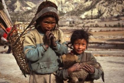 Ngân hàng ADB: Thêm 80 triệu dân châu Á nghèo cùng cực vì đại dịch COVID-19
