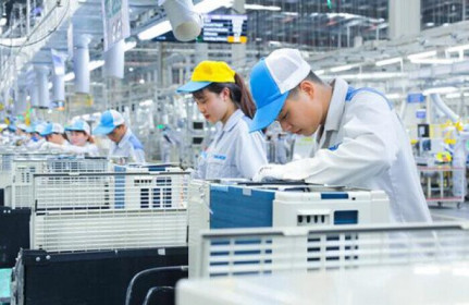 Vốn đầu tư của Việt Nam ra nước ngoài tăng hơn 74% trong 8 tháng